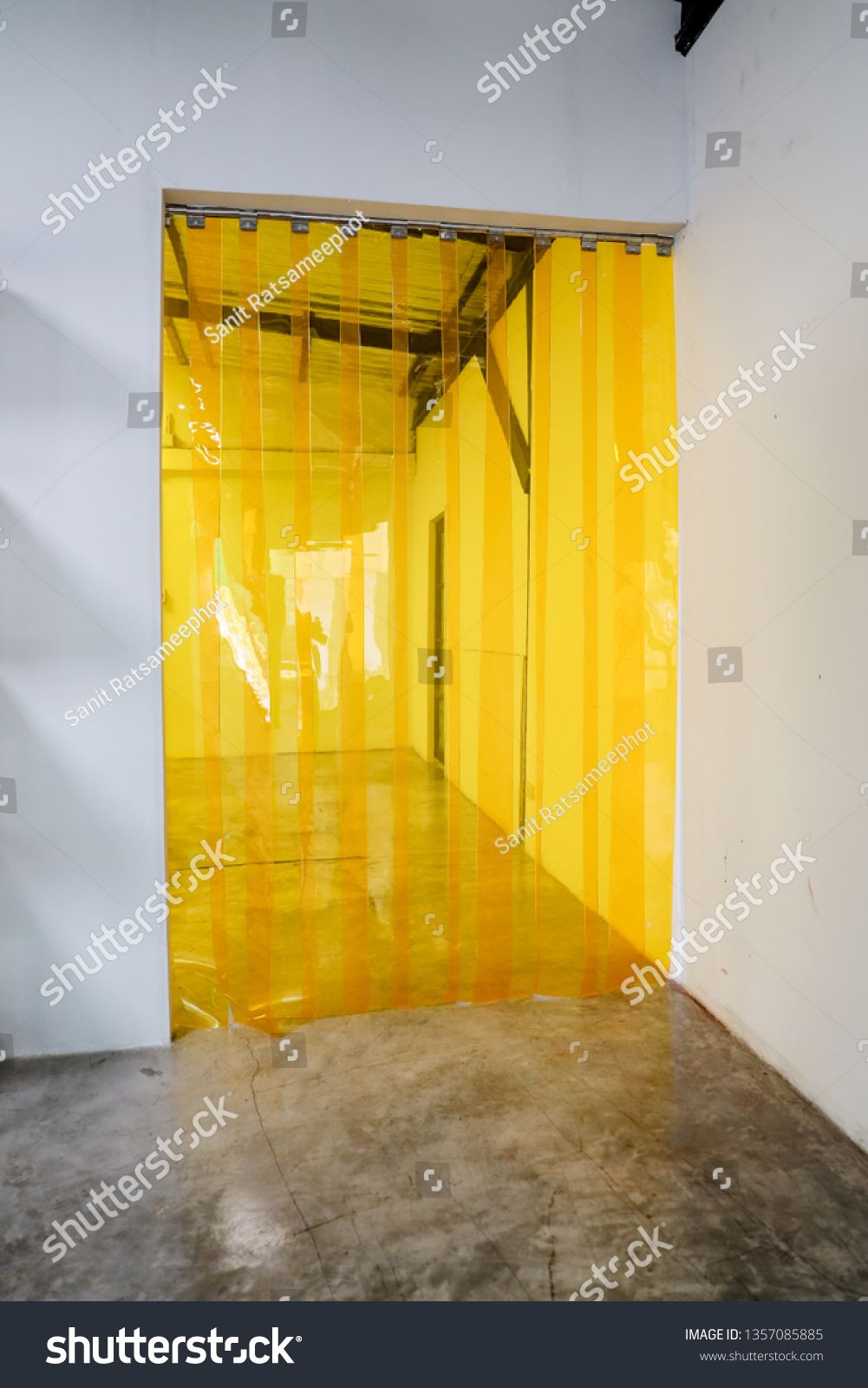 Yellow Plastic Transparent Pvc Strip Curtain For Warehousing
