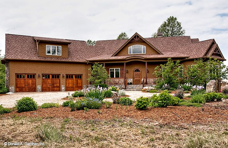 The Chanticleer 810 Is A Craftsman Home Plan With Rustic