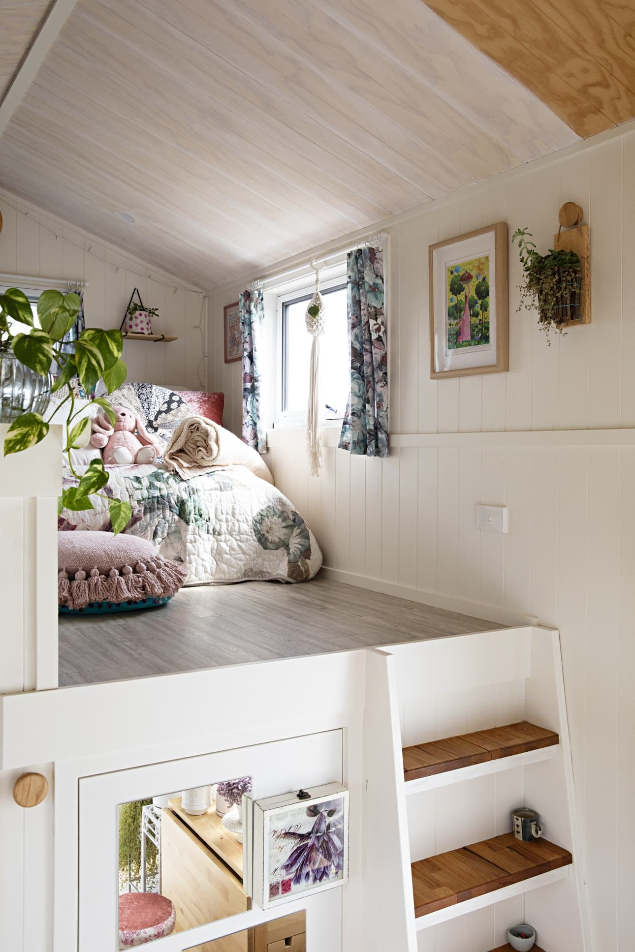tiny miss dolly on wheels is the most charming tiny on beautiful tiny home ever id=87267