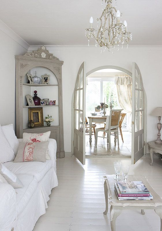 French style in an english cottage shabby charme 6 for Arredamento english