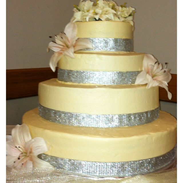 Lily and jewels wedding cake   Cakes By Emily   Pinterest   Jewel ...