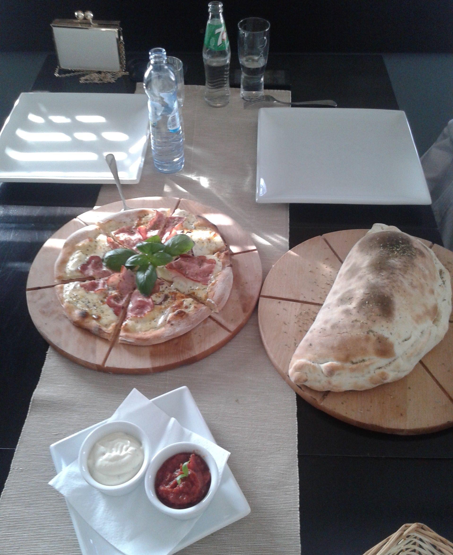 Pizza Y Calzone Kuchnia Italia The Taste Of Poznań