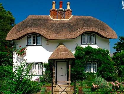 Thatched Roof Homes Are Back Telegraph Thatched Cottage Thatched House Thatched Roof