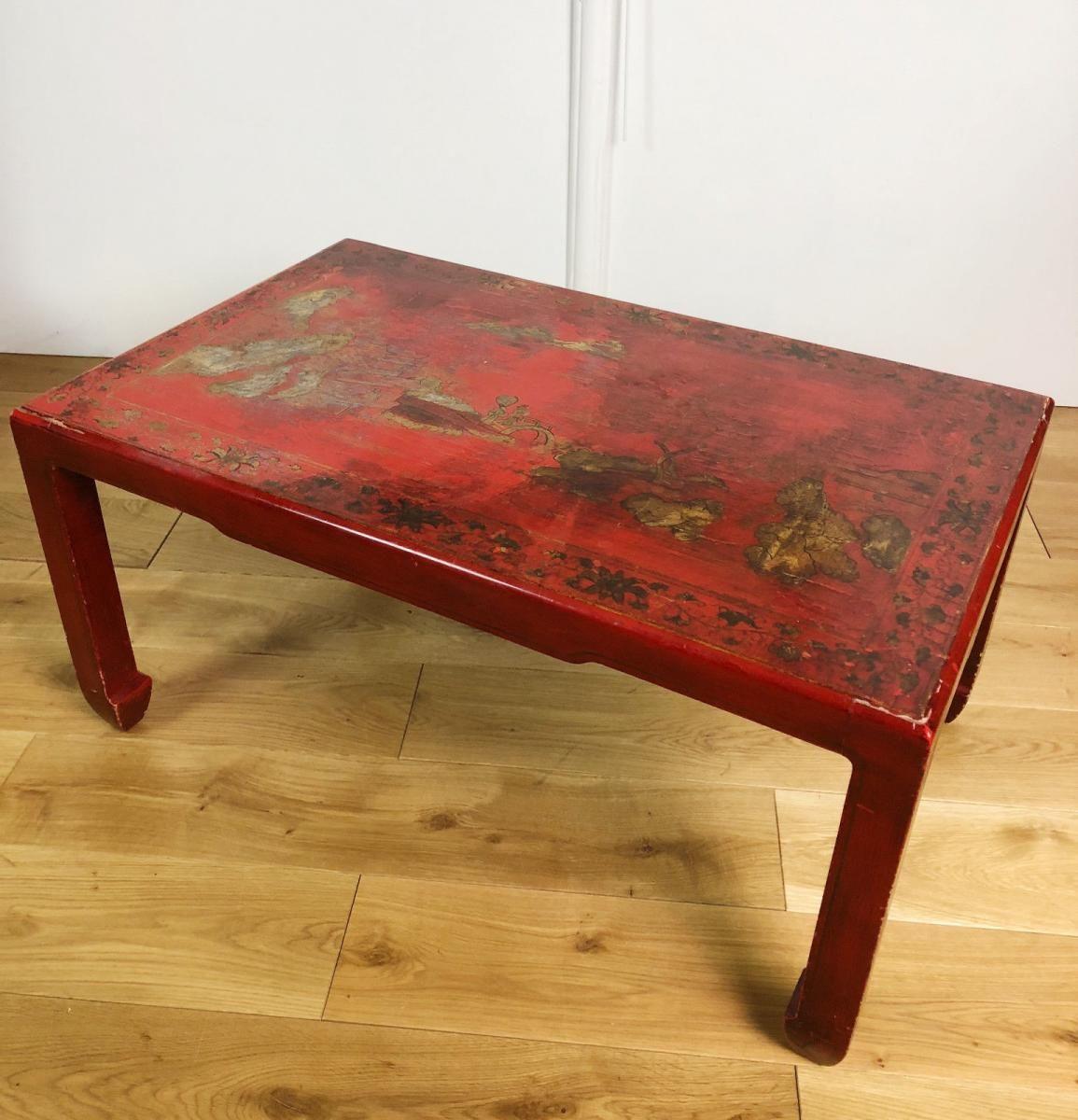 Table Basse Des Annees 1900 A Decor Chinois En Bois Laque Rouge Leleu Antiquites Proantic Table Basse Mobilier Chinois Table Basse Bois