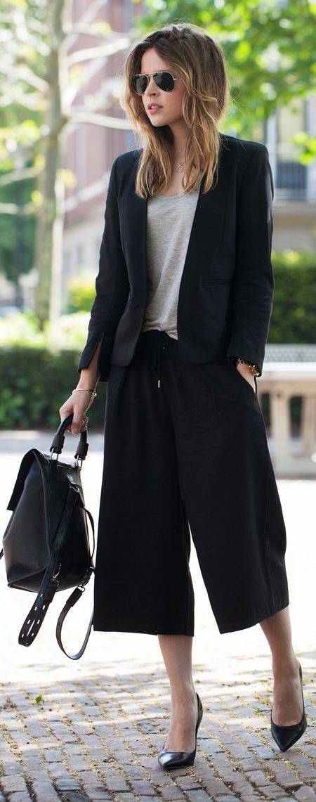 H&m Black Stylish Tailored Wide Leg Capri Pants by Fash n Chips ...