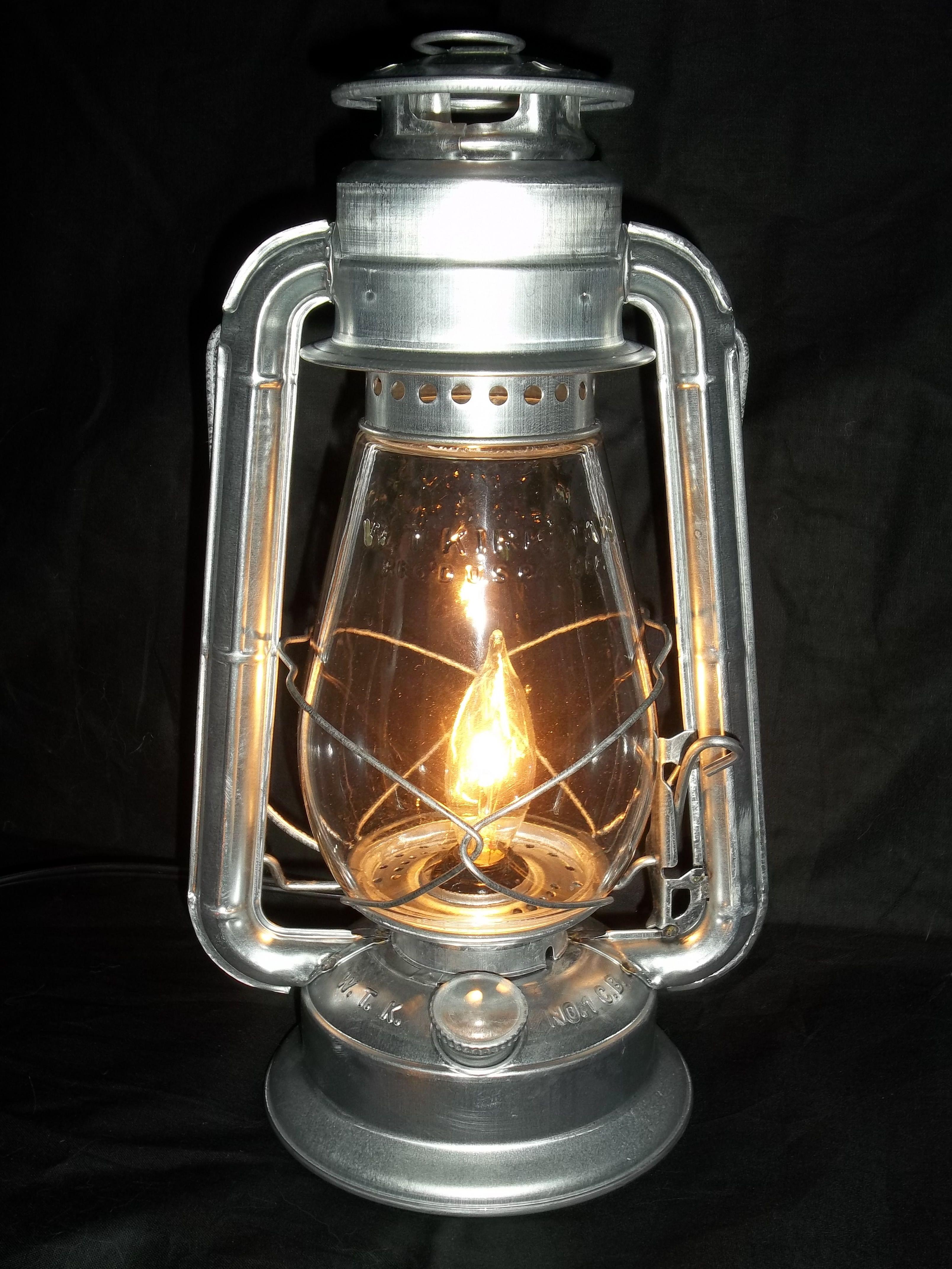 I Love This Electric Lantern Lamp Lantern Table Lamp Electric Lanterns Lantern Lamp