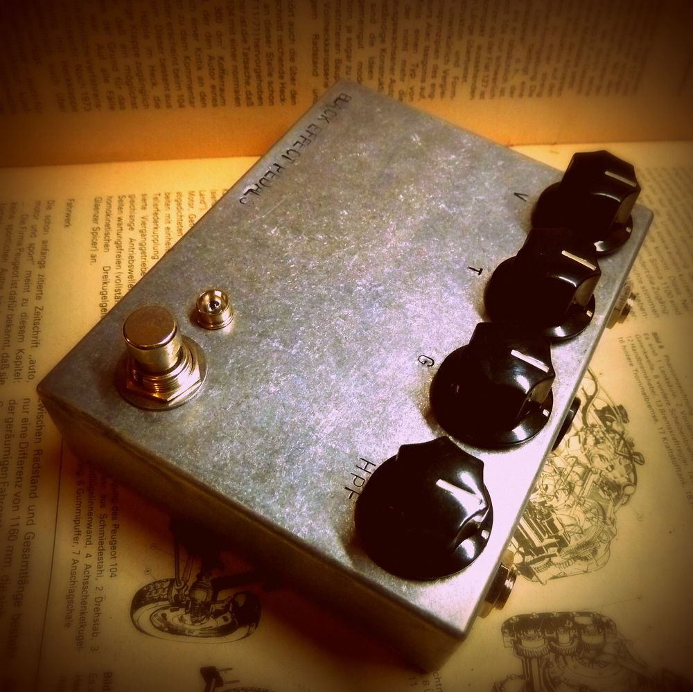 Turbulent Ash RAW edition / Black Effect Pedals, Handmade guitar effects pedals.