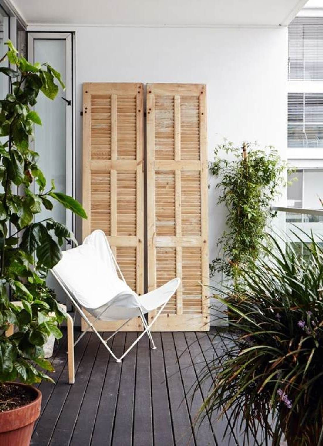 Apartment balcony ideas pictures to pin on pinterest - Find This Pin And More On Balkonien Smart Ideas For Decorating Tiny Balcony Apartment