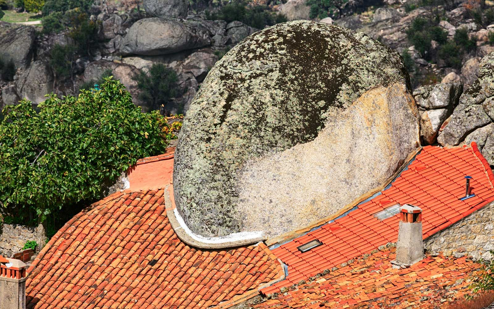 These Houses In Portugal Are Built Into Giant Boulders Centro Portugal Giant Boulder Bouldering Portugal