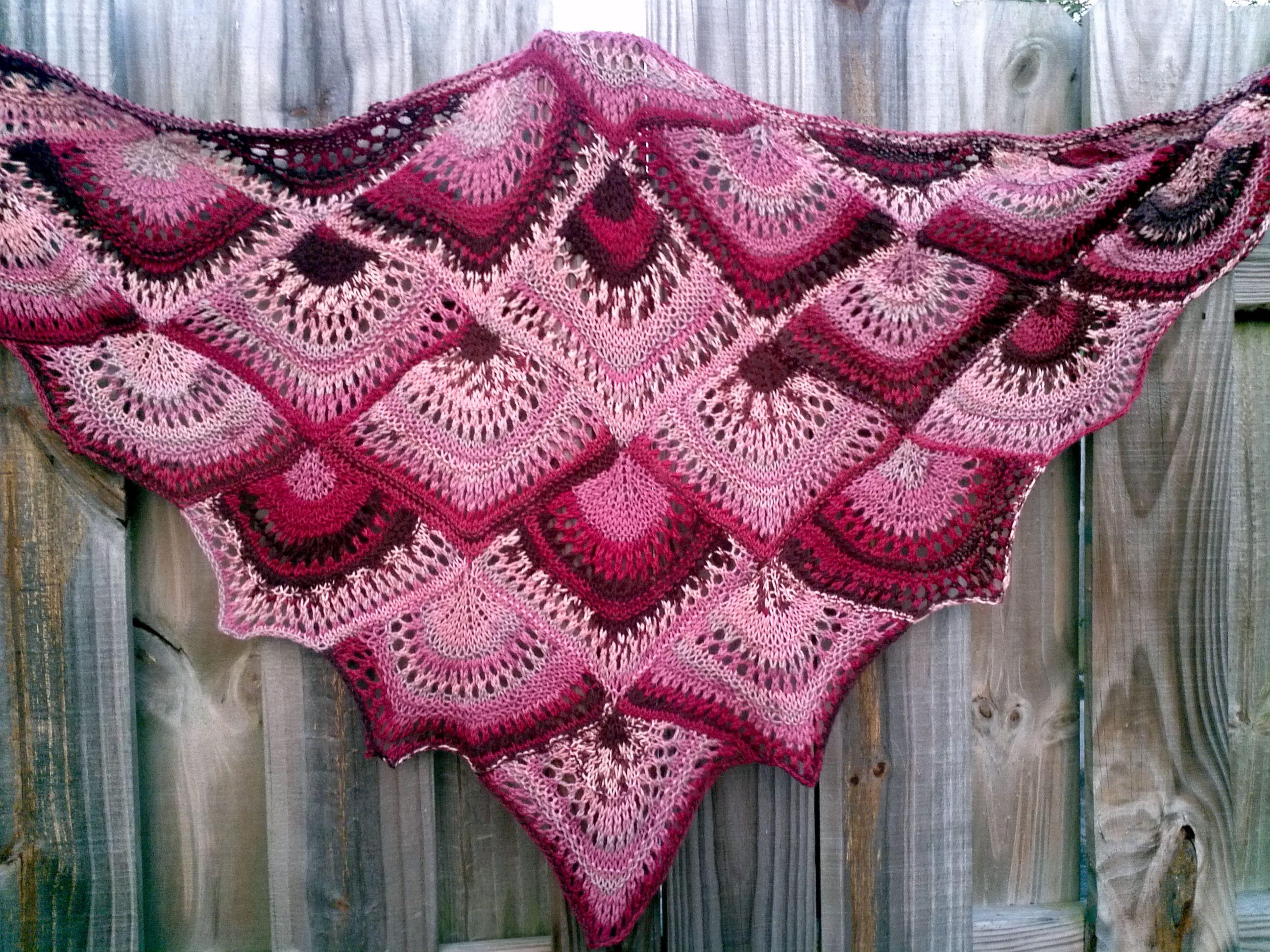 FAN shawl ( free pattern ) | Шали | Pinterest | Tücher, Schals und ...