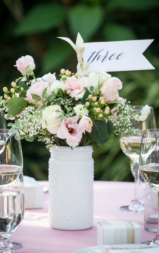 Tips for DIY-ing your wedding flowers! #SwellFlowers
