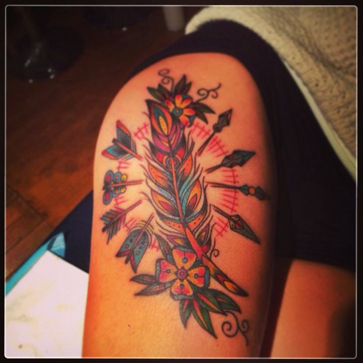 Arrow Feather  Tattoo Tattoos Neo traditional  Rodolphe Tattoo Montreal. Amazing artist. Thanks!!!