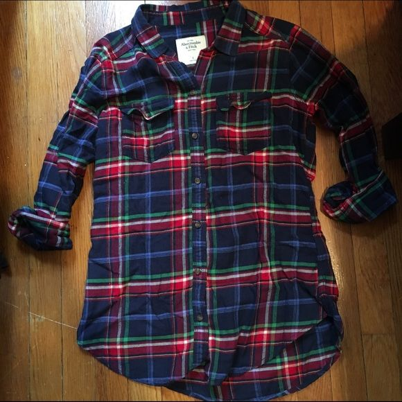 Abercrombie and Fitch plaid button up Adorable plaid button up with two front greasy pockets Abercrombie & Fitch Tops Button Down Shirts