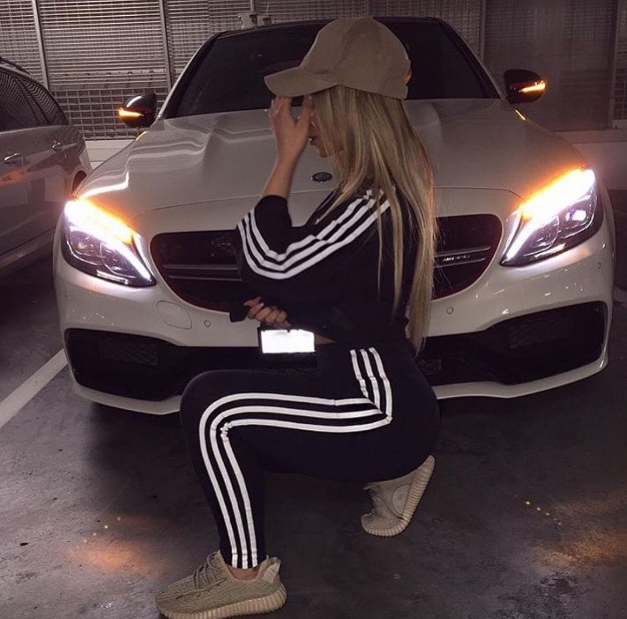 adidas, girl, and car imageの画像