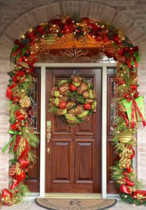50 idées de décoration de porte du0027entrée de Noël Bow wreath