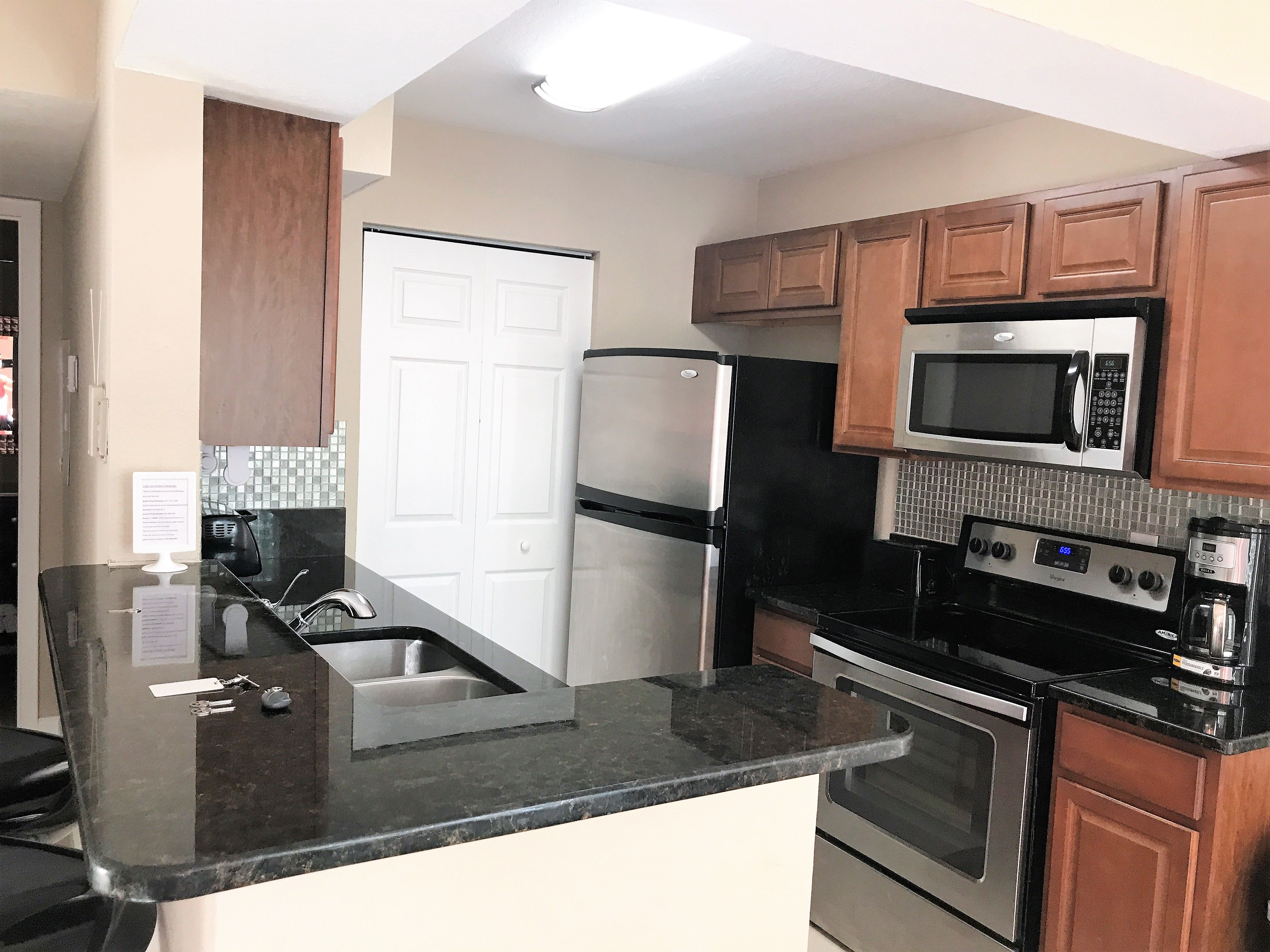Luxury condo with 2 bedrooms and 2 baths, near Seaworld