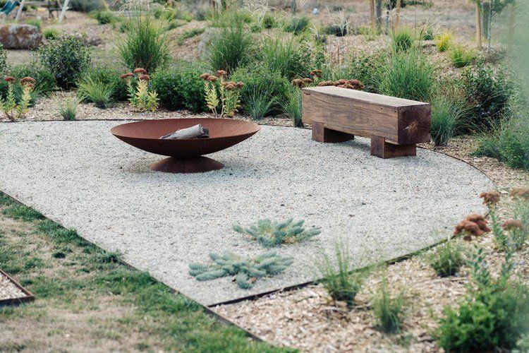 Abc Tv Dream Gardens Kathleen Murphy Landscape Design Dream Garden Berry Garden Landscape Design