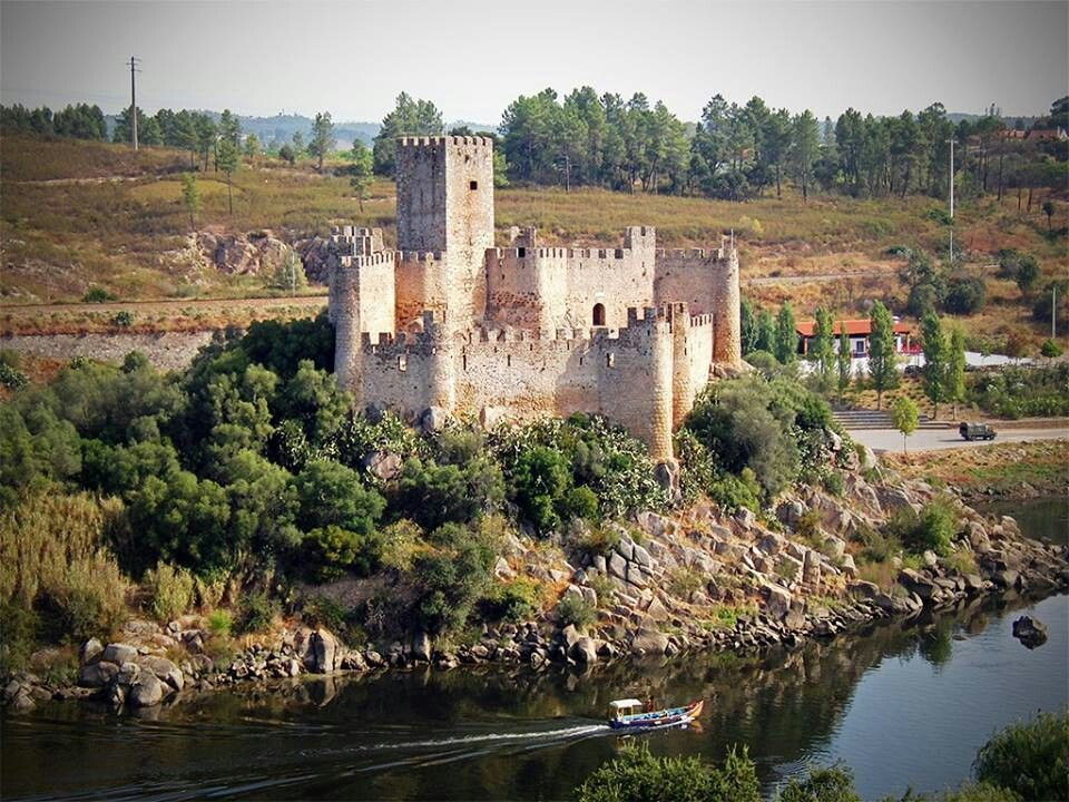 Castelo De Almourol Portugal Beautiful Castles Castle Portugal