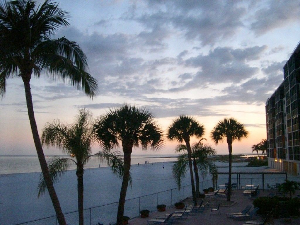 Condo Vacation Rental In Fort Myers Beach From Vrbo Com Vacation Rental Travel Vrbo 1500 Fort Myers Beach Condo Vacation Rentals Beach