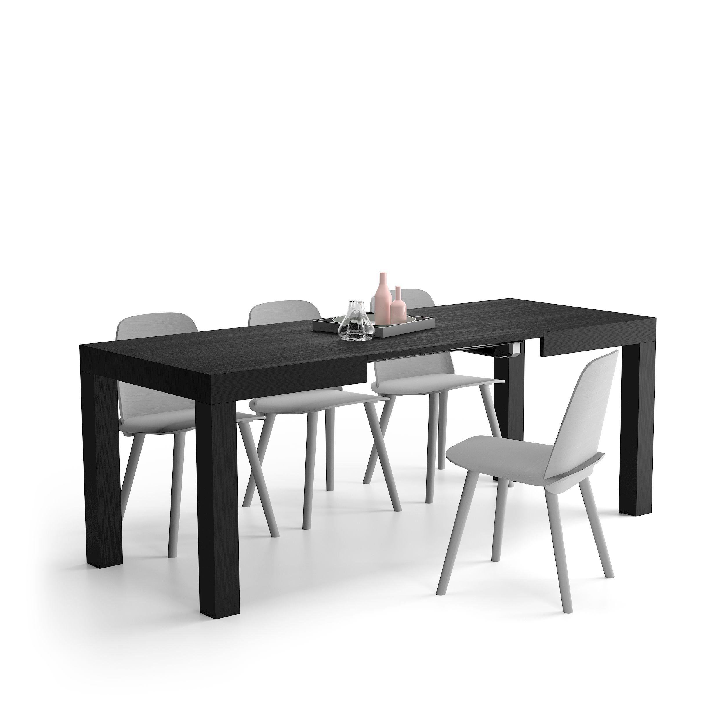 Lunghezza variabile del tavolo chiuso 120 cm, aperto 200
