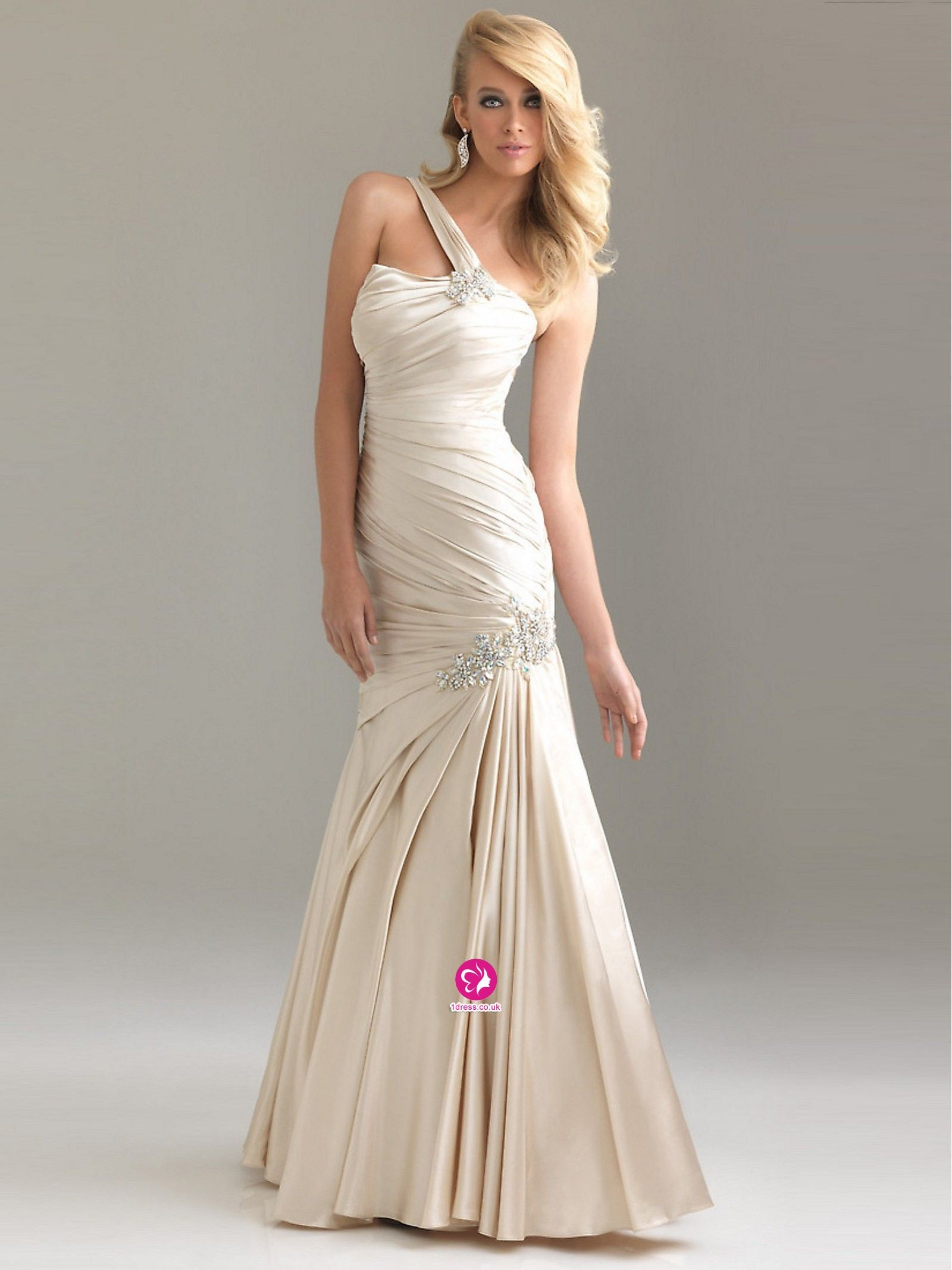 Evening dresses and prom dresses uk