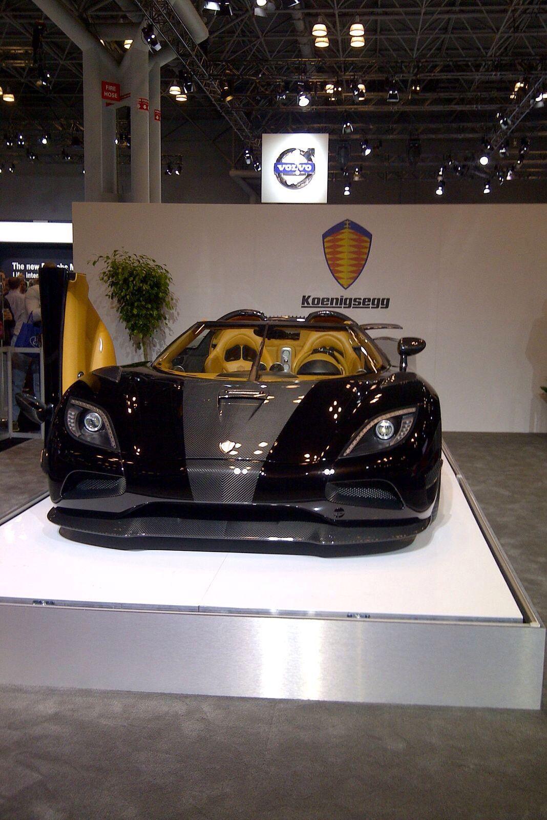 Black Koenigsegg Agera R: Black Gold Koenigsegg Ageras S Hundra