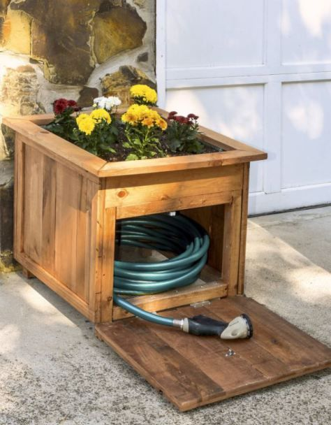 Charmant Hide Garden Hose In A Wooden Planter