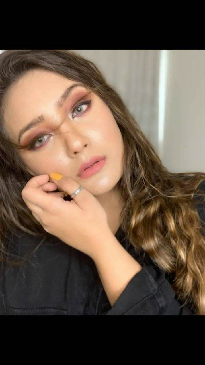 Pin by aLl rOuMdEr on aAsHiKa | Insta makeup
