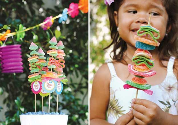 21 Labor Day Party Ideas - Easy DIYs and Recipes for Fun Filled Parties #labordayfoodideas These DIY ideas for Labor Day include grilling ideas, party food recipes, DIY party decor ideas, summer cocktail recipes & kids crafts to celebrate in style #labordaycraftsforkids 21 Labor Day Party Ideas - Easy DIYs and Recipes for Fun Filled Parties #labordayfoodideas These DIY ideas for Labor Day include grilling ideas, party food recipes, DIY party decor ideas, summer cocktail recipes & kids crafts to #labordayfoodideas