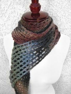 Easy pattern for beautiful scarf!  http://honestlydyea.blogspot.com/2012/04/youve-got-to-be-knitting-me.html