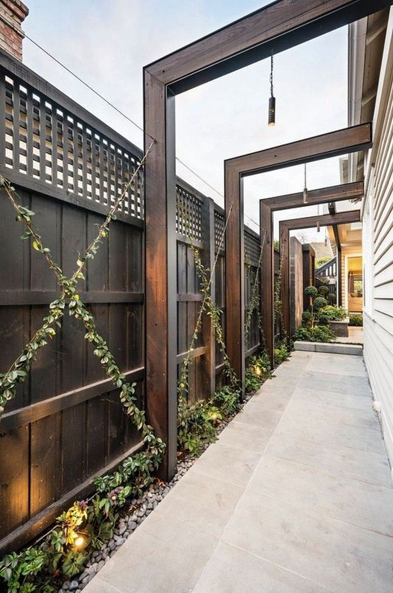 38+ Beautiful Backyard Decorating Ideas With Privacy Fences #backyard #backyarddesign #backyardlandscaping #backyardremodel
