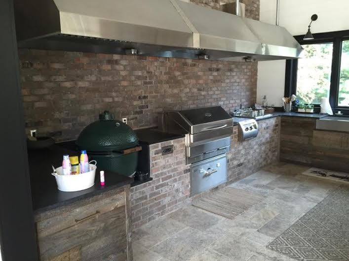 Outdoor Kitchen by Brandel Masonry featuring Memphis and FireMagic appliances.