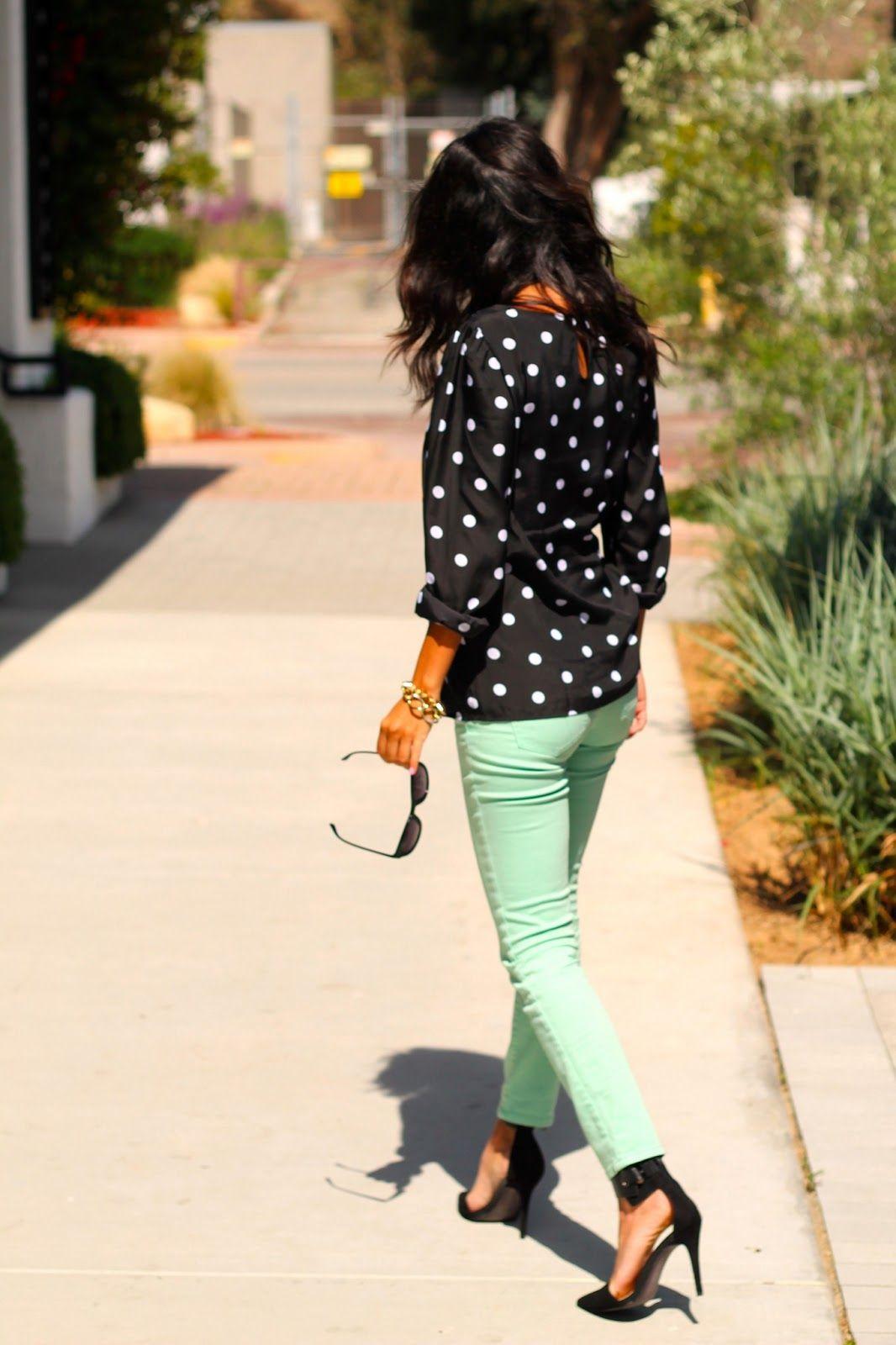 Pantalones dot y chompa verde menta