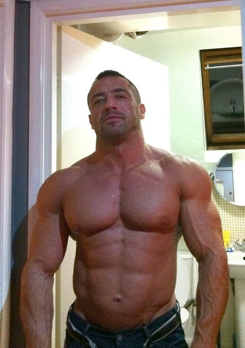 Big muscle dudes