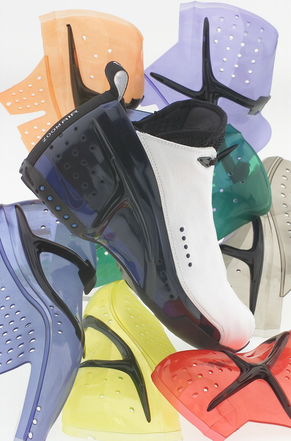 Desviarse congestión Adelaida  Zoom Ultraflight | Nike Basketball 1992-2012: 20 Designs That Changed The  Game - EU Kicks: Sneaker Magazine | Nike, Sneaker magazine, Nike basketball