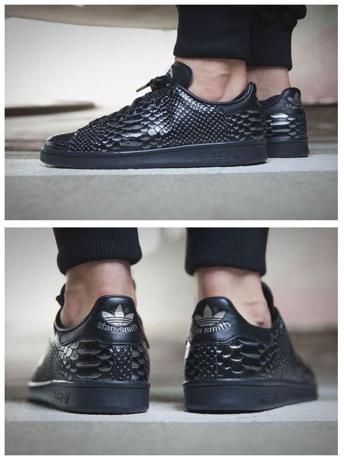 Sneakers noires imprimées reptile Stan Smith | FASHION en