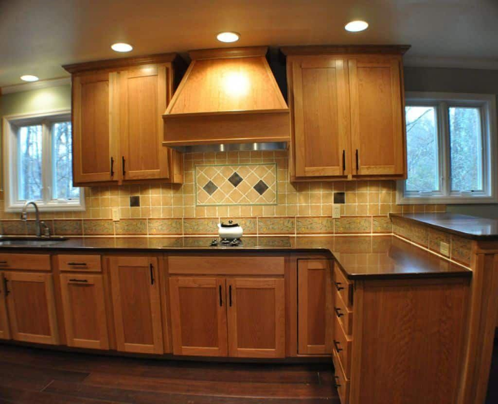Instructions To Varnish Your Kitchen Cabinets Maple Kitchen Cabinets Traditional Kitchen Design Replacing Kitchen Countertops