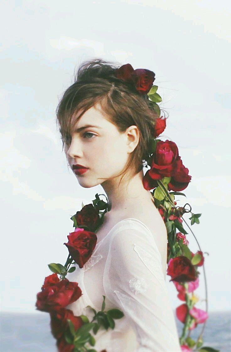 Fotogallery donne e fiori - Passione Folle | Idee di fotografia, Donne,  Fiori