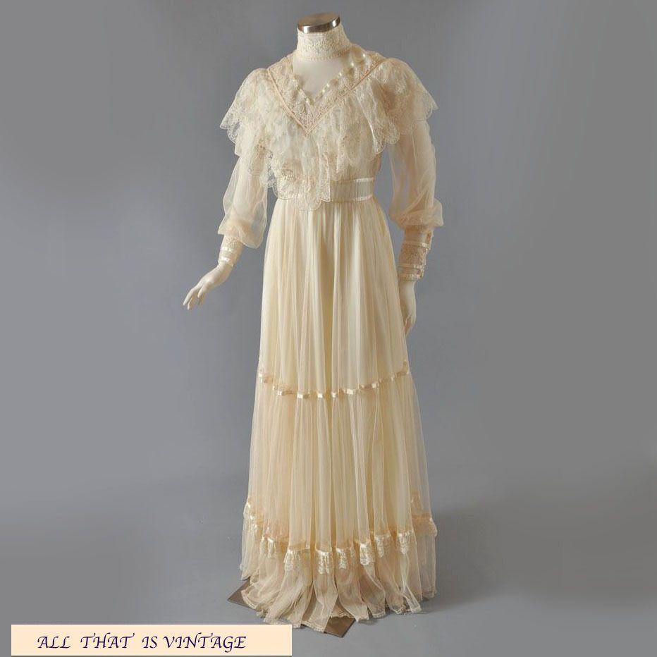 Gunne sax wedding dress  VTG Boho Gunne Sax Edwardian Bridal Dress Cream Ivory Lace Tulle