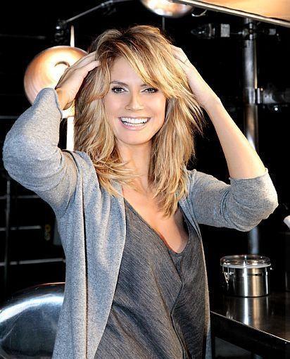 32+ peinados medianos lindos con flequillo para mujeres