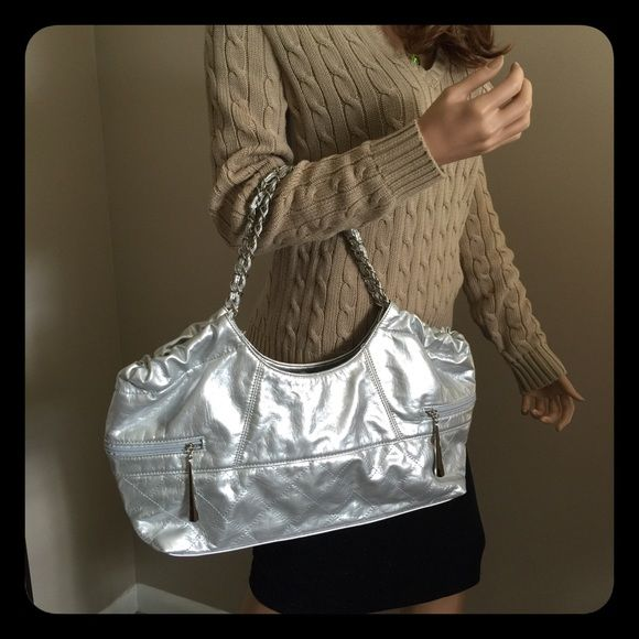 Daisy Fuentes Silver Metallic Hanbag This Is A Nice Large Purse With Pretty Powder Blue Cloth Liningit Nwotmeasures 18 X 10 4 Strap Drop Of