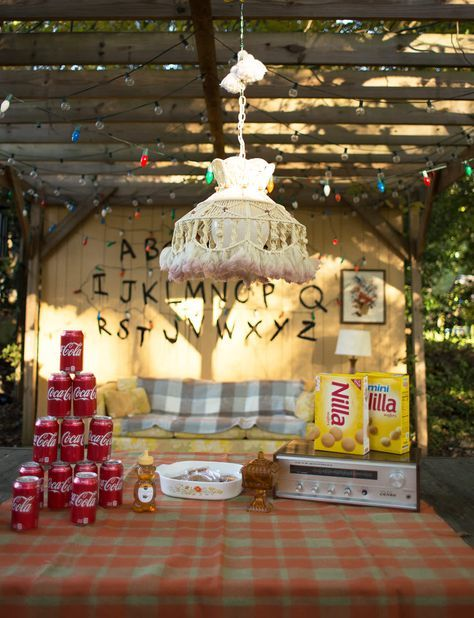 Stranger things party decor also how to throw  viewing theme innit rh za pinterest
