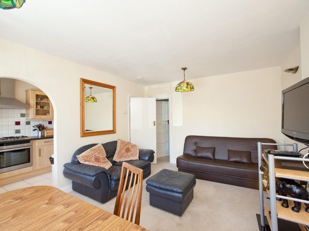 Icymi One Bedroom Flat To Rent In London