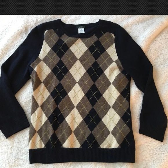 J.Crew argyle print pullover sweater, sz Small J.Crew argyle print pullover sweater, sz Small. Navy blue color. Crew neck design. 3/4 sleeves. Lightweight material. Very flattering to the chest. J. Crew Sweaters Crew & Scoop Necks