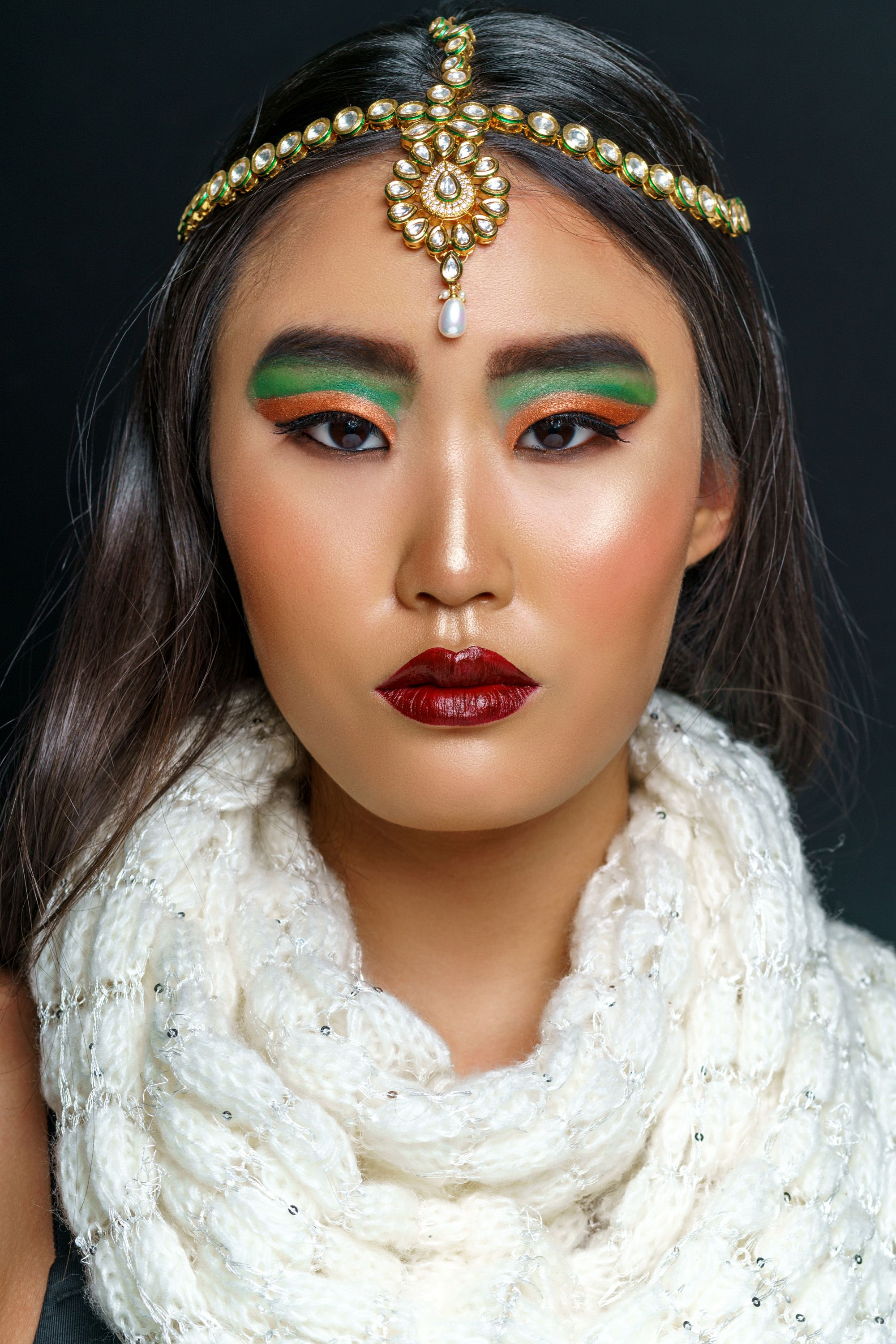 Makeup looks are a great way to express yourself. There