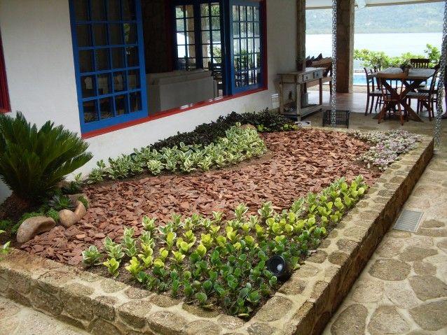 jardins com casca de arvore - Pesquisa Google