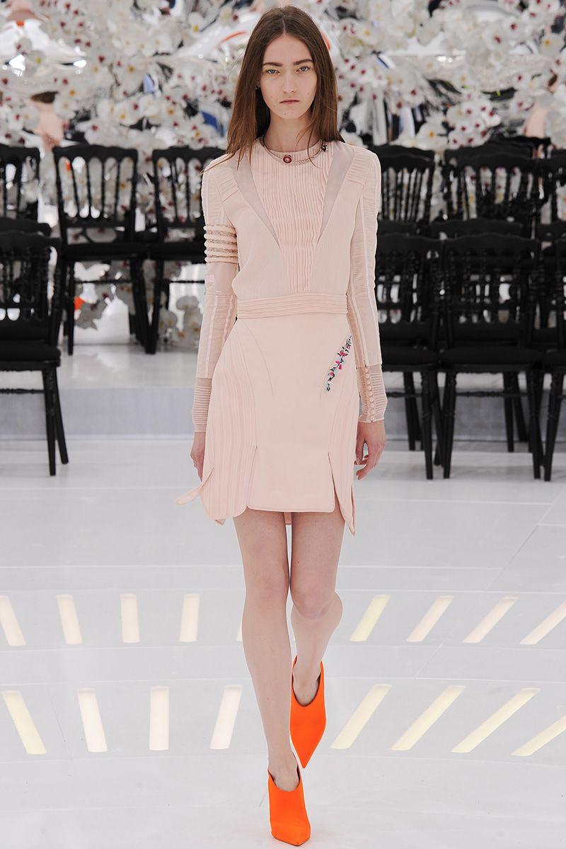 Christian Dior Fall 2014 Couture - Review - Vogue#/collection/runway/fall-2014-couture/christian-dior/31