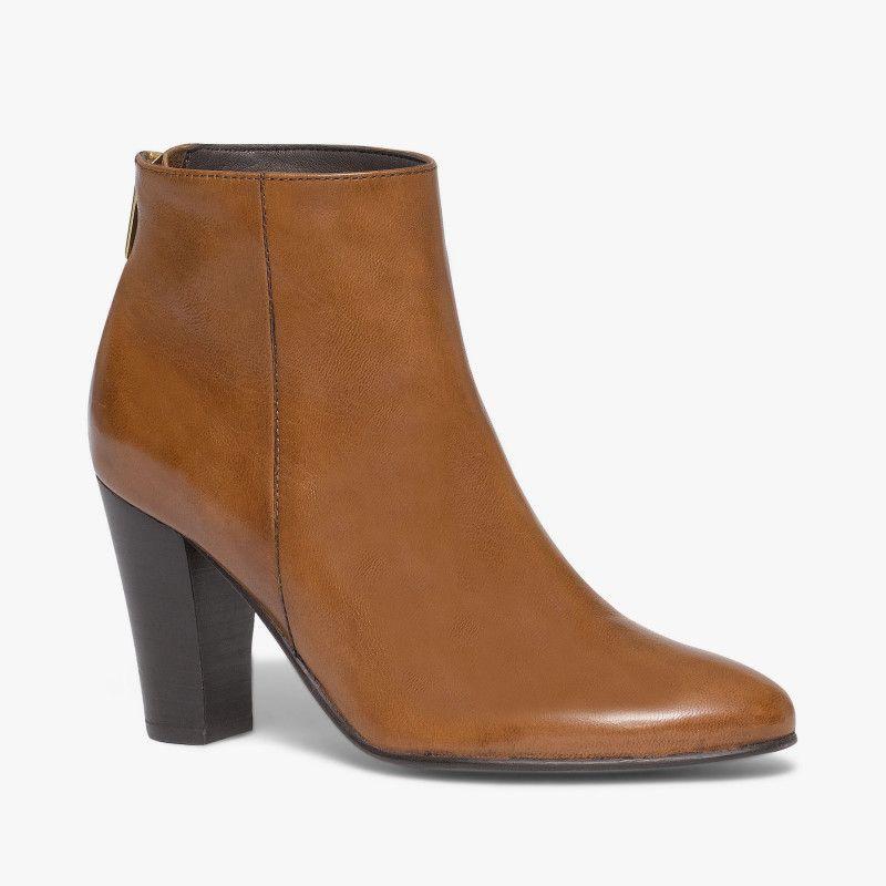 boots talon marron un boots tr s f minin gr ce son talon haut et son zip arri re dor qui. Black Bedroom Furniture Sets. Home Design Ideas