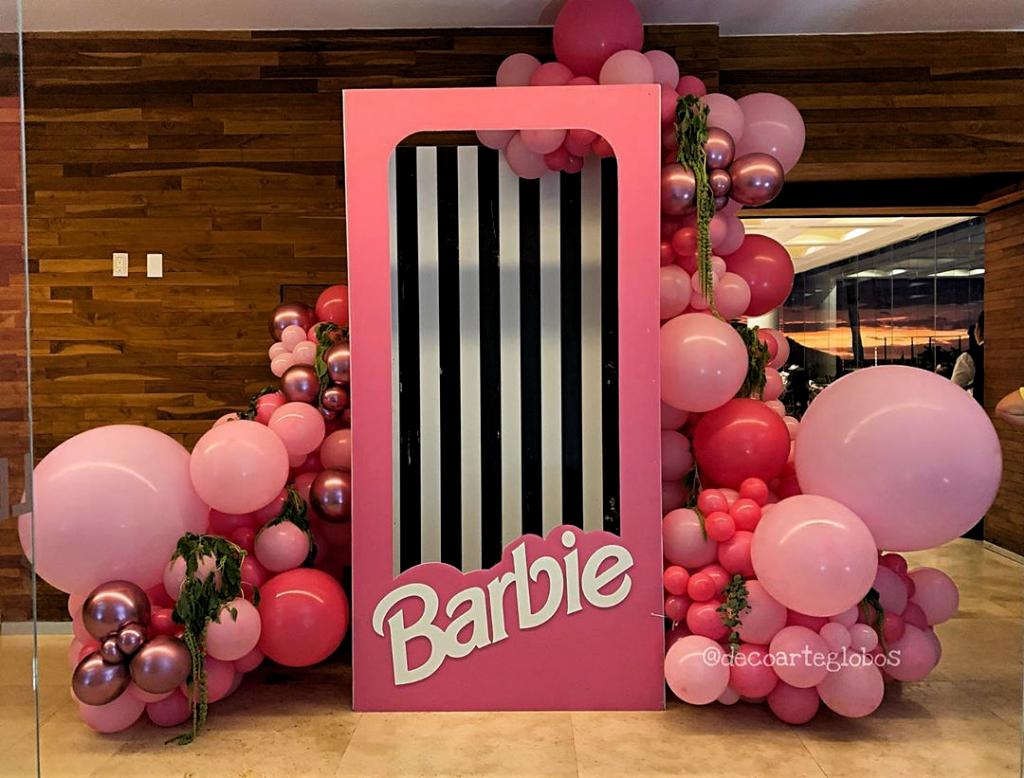 Decoracion Con Globos Mazatlan On Instagram Divina Decoración Con Temática De Barbie Para Desp Barbie Party Decorations Barbie Decorations Barbie Theme