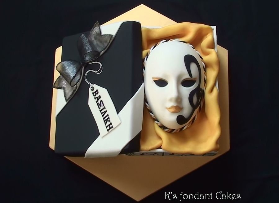 Music Venetian Mask In A Gift Box Music Venetian Mask In A Gift Box The cake I made for my precious little musician.A cake to combine her love for music and her birth during... #black #gold #wedding #art-deco #masquerade #cakecentral